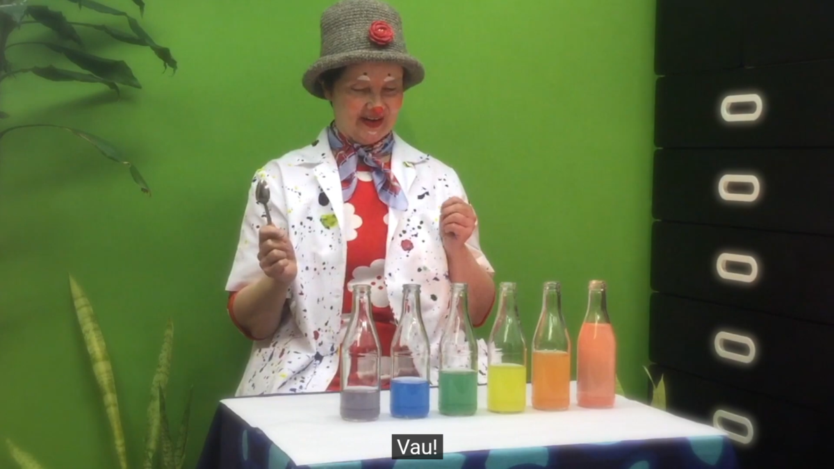 Klovni Elviiran taiteelliset tiedekokeet julkaistu videona